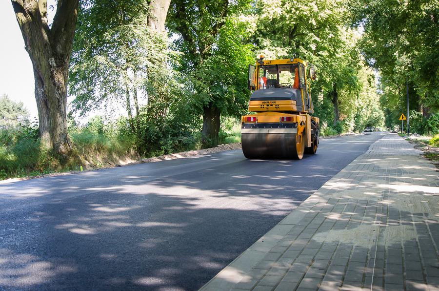 Przebudowa drogi powiatowej nr 1546L Kozłówka-Dąbrówka-Nasutów-Dys