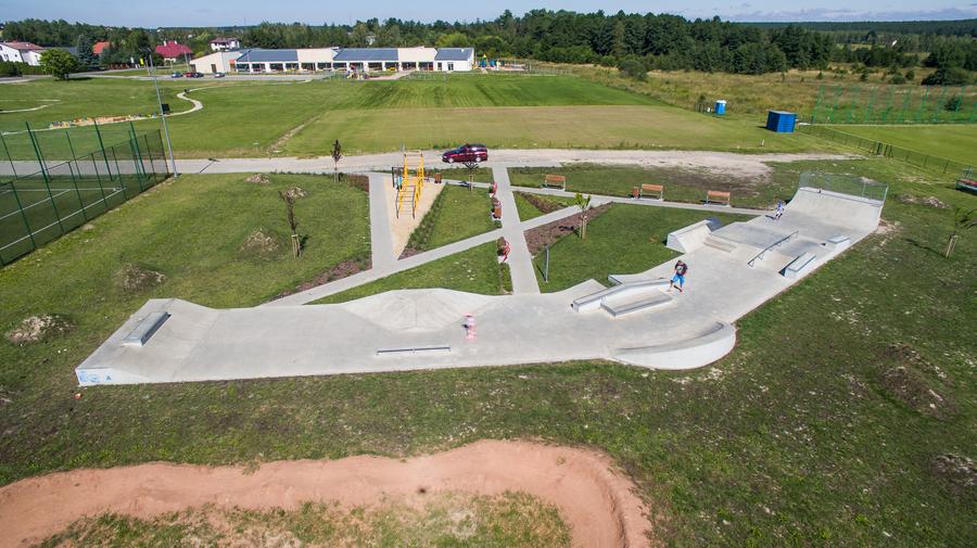 Skatepark w Niemcach