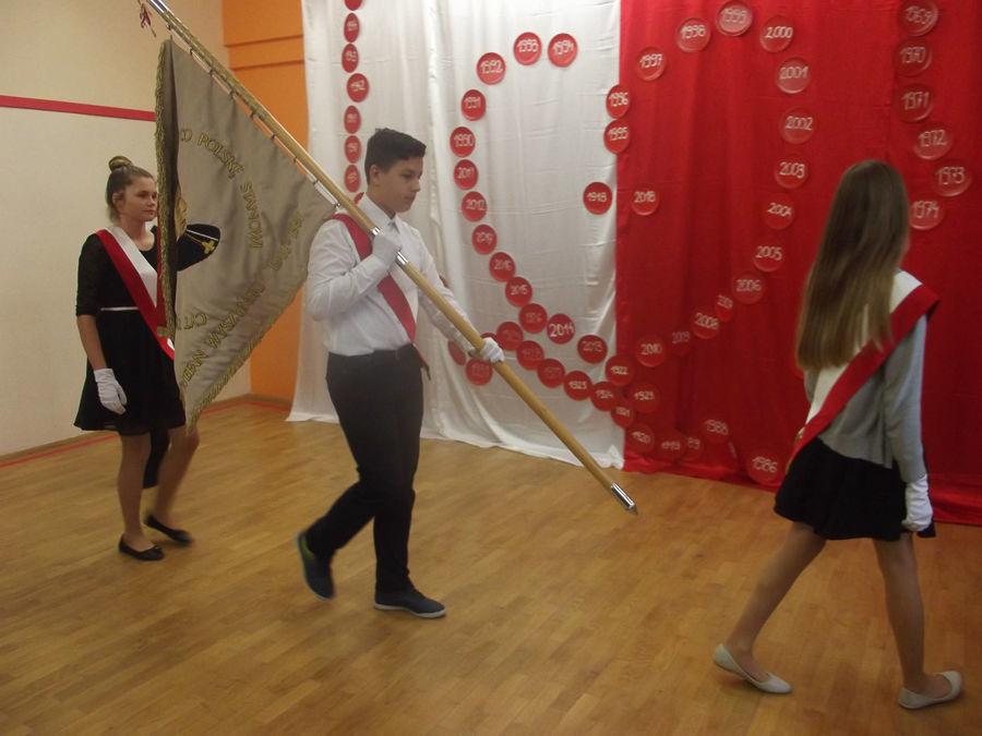 Obchody 100-lecia niepodległości w Szkole Podstawowej w Nasutowie