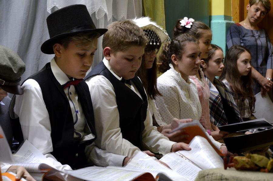 Narodowe czytanie w Szkole Podstawowej w Niemcach