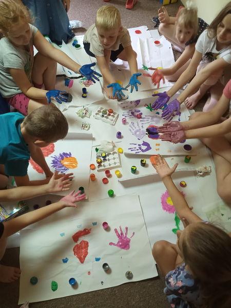 Dzieci podczas zajęć