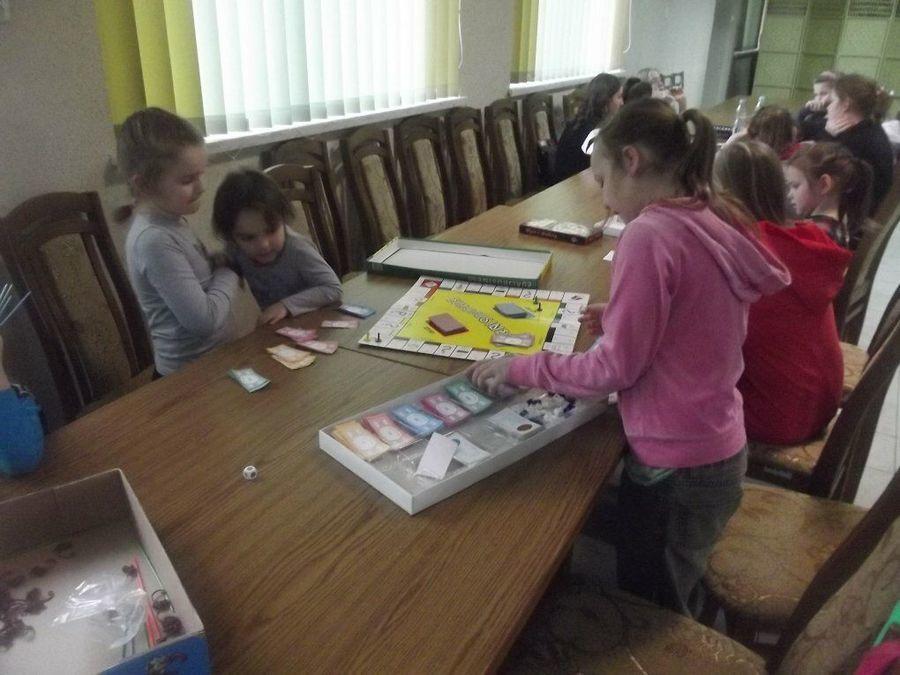 Stowarzyszenie Wspierania Tradycji i Kultury ˝Przedmieście˝ w Potoku Górnym zorganizowało tydzień ferii dla dzieci ze Szkoły Podstawowej w Potoku Górnym