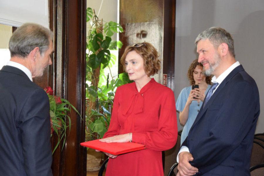 Na zdjęciu znajduje się Starosta Lubelski - Zdzisław Antoń, dr Rybak oraz dr Kwiatkowski
