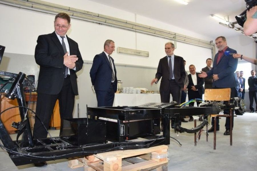 Otwarcie Biura Projektowo-Konstrukcyjnego pojazdów elektrycznych i hybrydowych w Piotrowicach