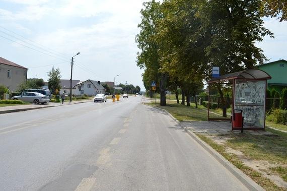 Przystanek autobusowy przy ulicy