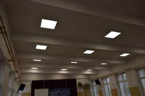 Oświetlenie na suficie