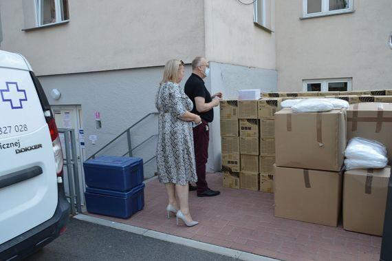 Nowa dostawa środków ochrony osobistej oraz środków dezynfekcyjnych dla Szpitala Powiatowego w Rykach