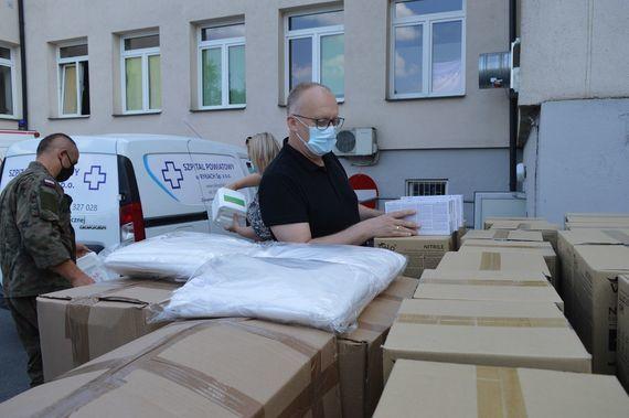 Nowa dostawa środków dezynfekujących oraz środków ochrony osobistej - 2 osoby