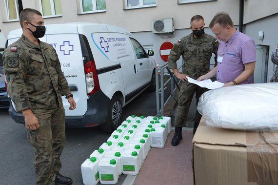 Nowa dostawa środków dezynfekujących oraz środków ochrony osobistej - 3 osoby