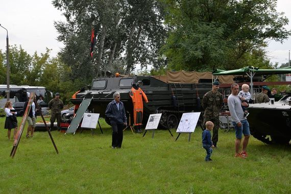 wystawa sprzętu wojskowego 1. Batalionu Drogowo – Mostowego i 22. Batalionu Lekkiej Piechoty