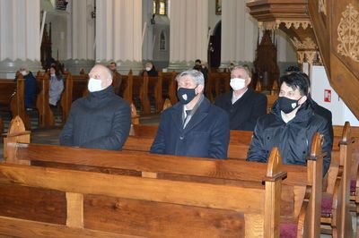 Mszą Świętą w Kościele Parafialnym w Rykach w intencji Pamięci Żołnierzy Wyklętych.