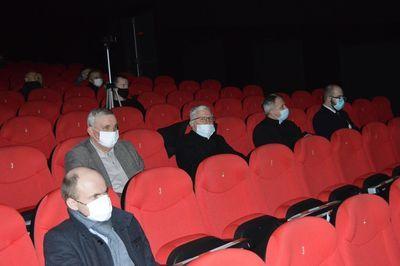 Uczestnicy w kinie