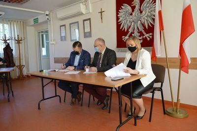 Podpisanie umowy na wykonanie robót budowlanych projektu