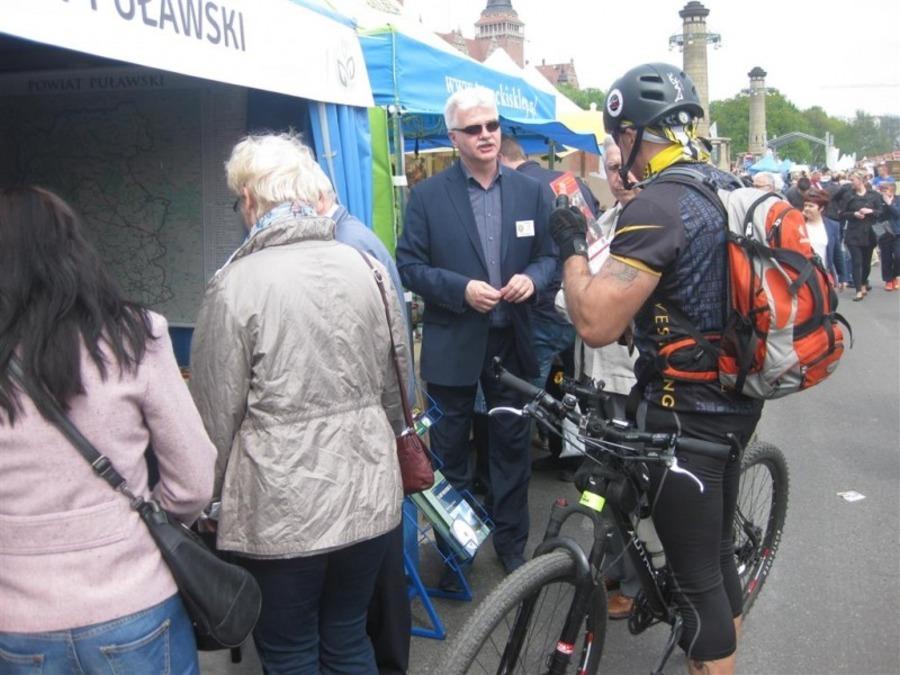 Tłumy odwiedzających stoisko Powiatu Puławskiego na Międzynarodowych Targach Szczecińskich - ORGANIC