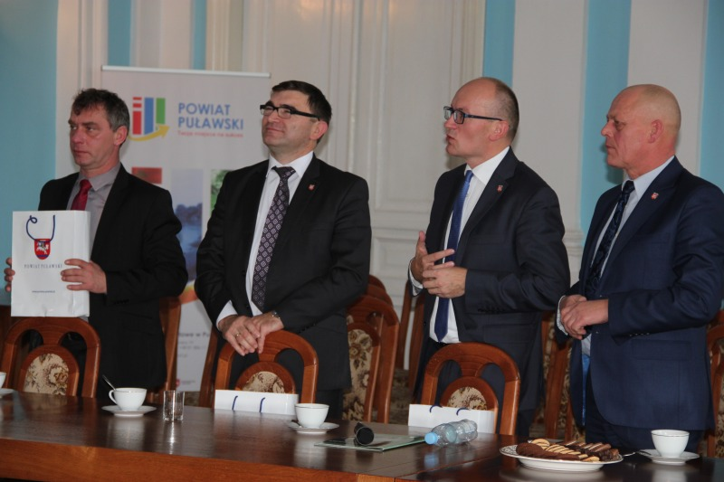 Samorządowcy z Powiatu Wysokomazowieckiego z wizytą studyjną w puławskim Starostwie