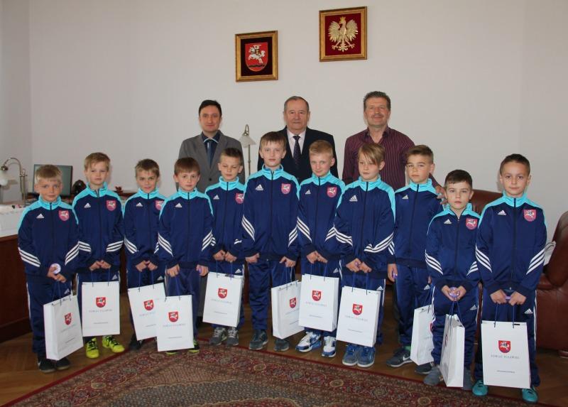 Zawodnicy Puławiaka odwiedzili Starostę