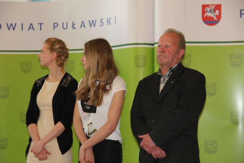Sportowe nagrody Starosty Puławskiego za 2015 r. wręczone