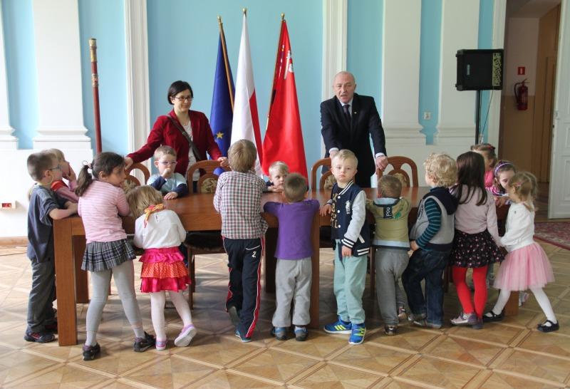 Wizyta przedszkolaków w Starostwie Powiatowym w Puławach