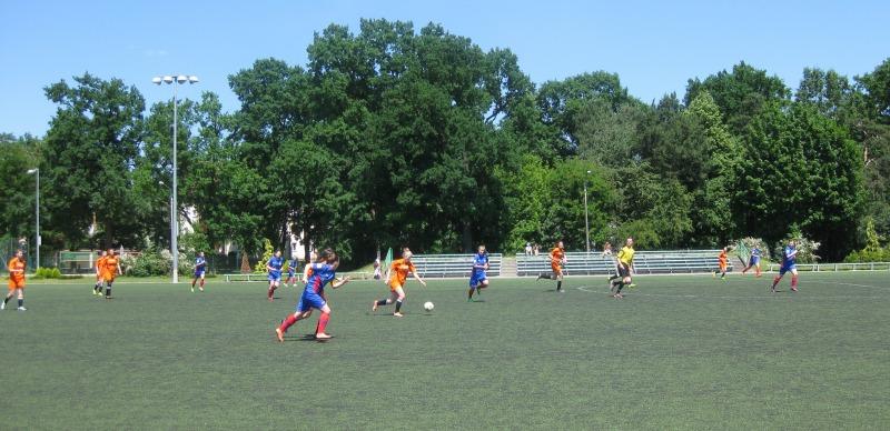 Mecz kobiecej drużyny MKS Sybilla z UKS Widok