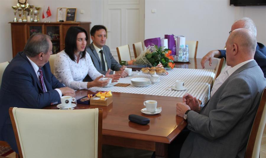 Spotkanie Starosty Puławskiego z brązową medalistką Mistrzostw Świata w Lekkoatletyce Malwiną Kopron