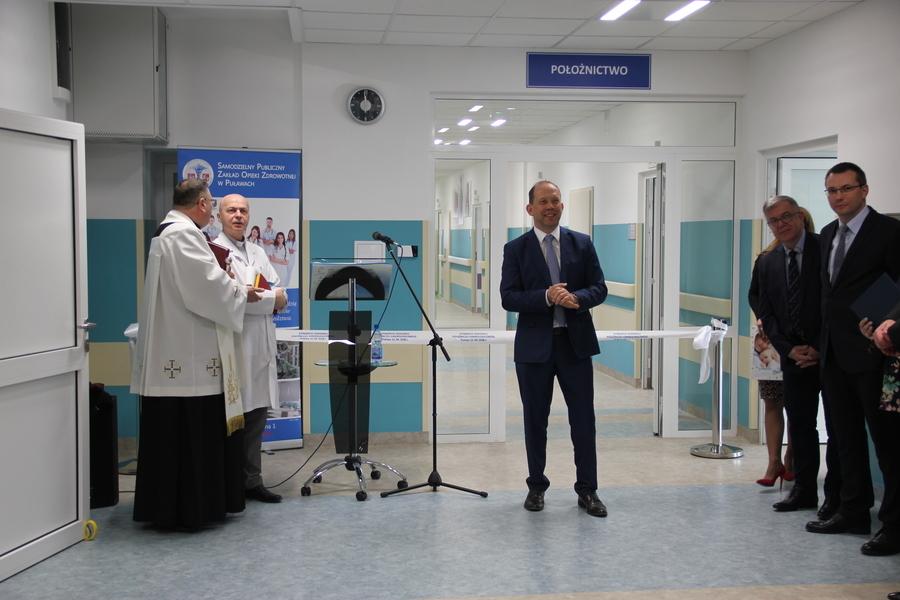 <p>Odział ginekologiczno-położniczy, Dyrektor Szpitala Piotr Rybak, przemówienie, otwarcie, remont.</p>