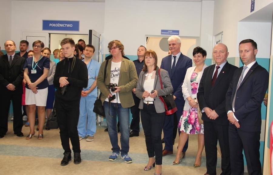 <p>Uczestnicy uroczystości otwarcia odziału ginekologiczno-położniczy, remont</p>
