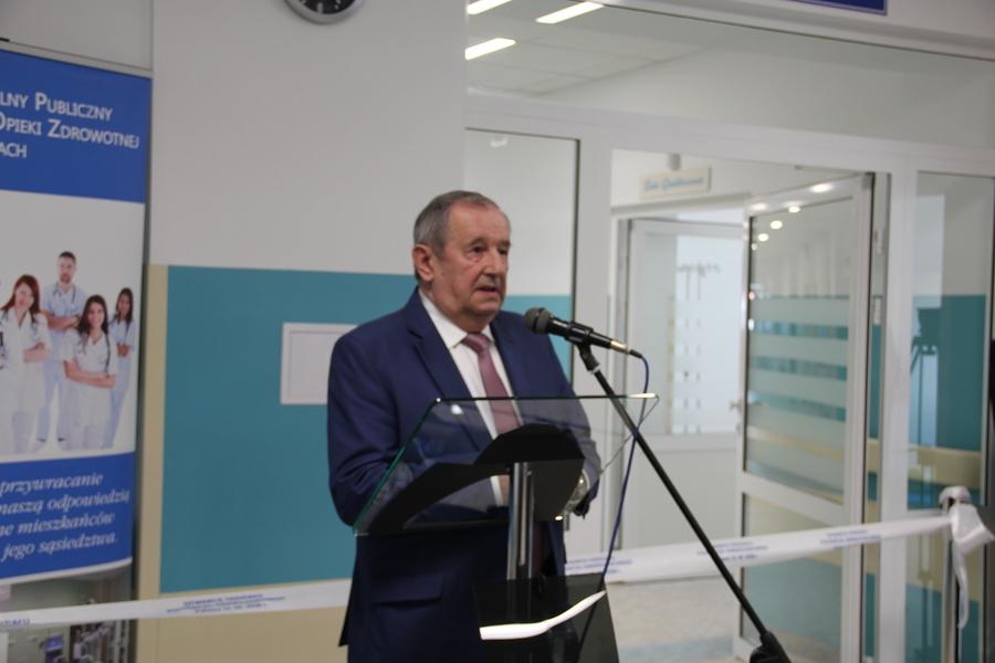 <p>Starsota Puławski Witold Popiołek przemównienie otwarcie odziału ginekologiczno-położniczy, remont</p>