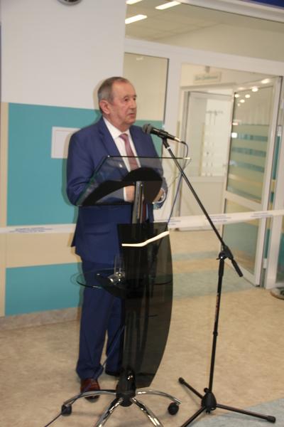 <p>Starsota Puławski Witold Popiołek przemównienie otwarcieodziału ginekologiczno-położniczy, remont</p>