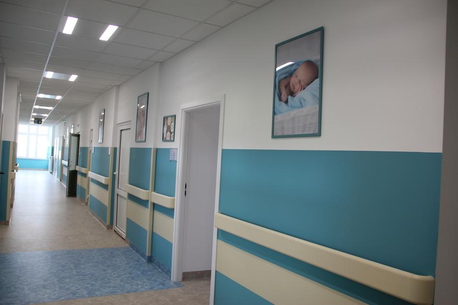 <p>Odział ginekologiczno-położniczy, otwarcie, korytarz, remont,</p>