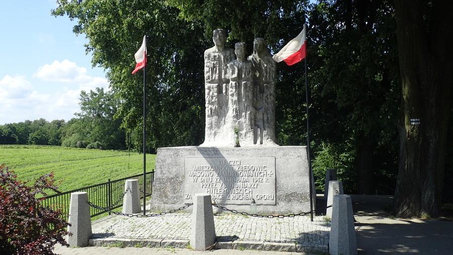<p>Pomnik</p>