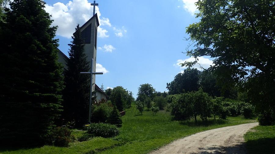<p>Kaplica w Skowieszynie</p>
