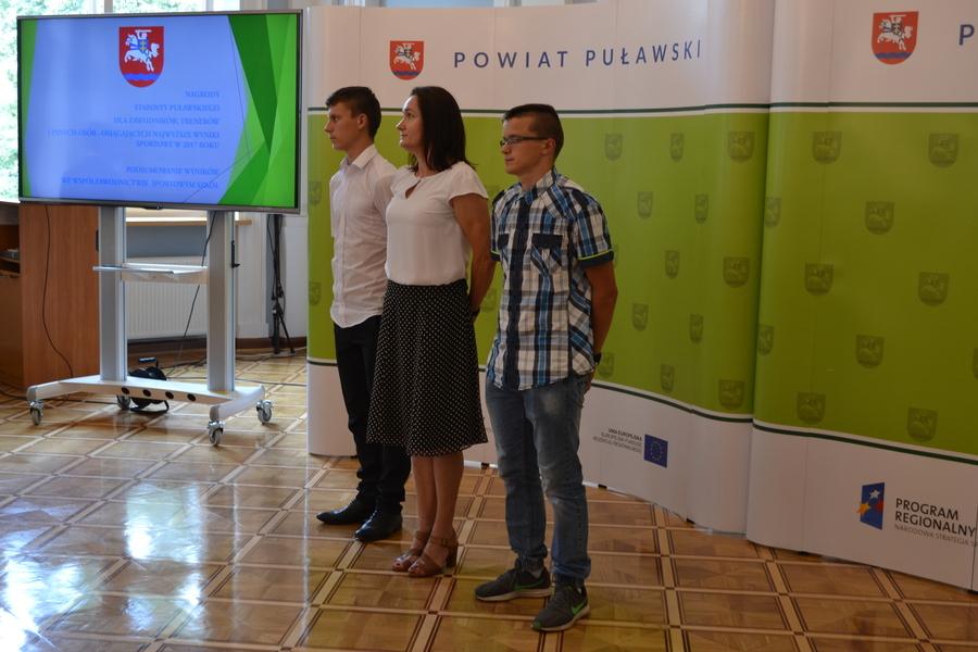 Sportowcy z Powiatu Puławskiego nagrodzeni przez Starostę