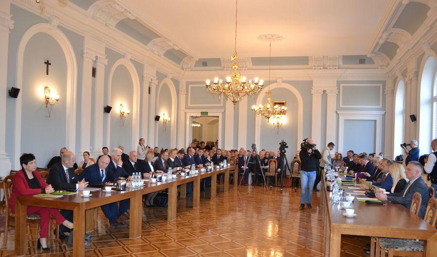 Fotorelacja z I sesji Rady Powiatu Puławskiego VI kadencji