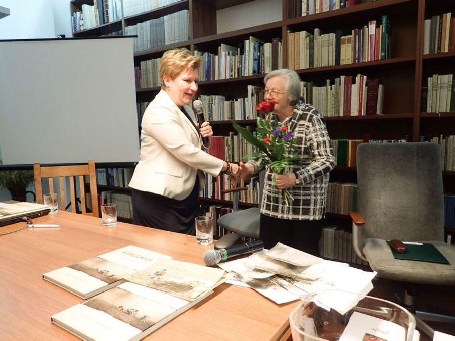"""Prezentacja książki """"Wąwolnica 2 maja 1946 Relacje, dokumenty"""""""