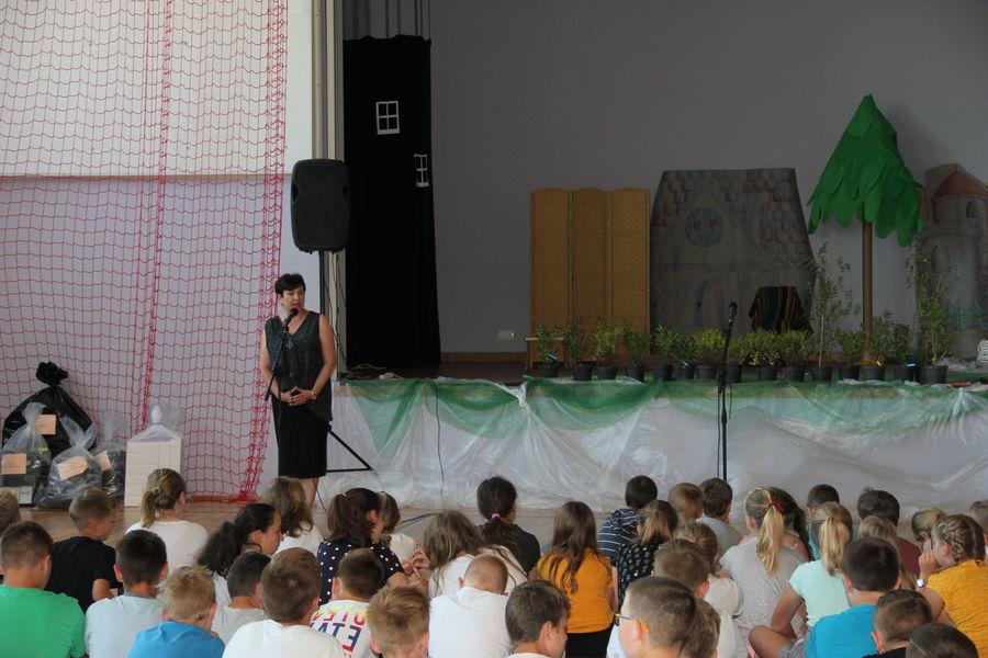 Drzewko za butelkę 2019 - spotkanie w Szkole Podstawowej w Gołębiu
