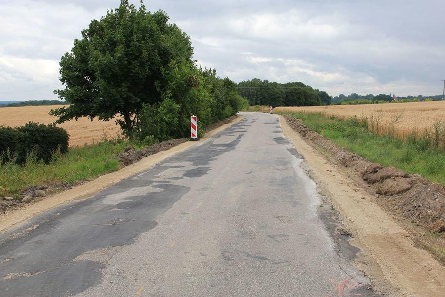 Fotograficzny dziennik budowy - inwestycje drogowe Powiatu Puławskiego (11.07.2019)