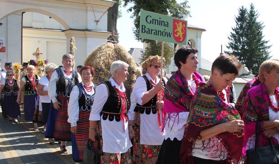 Dożynki Powiatowe Kurów 2019 - Msza św., korowód