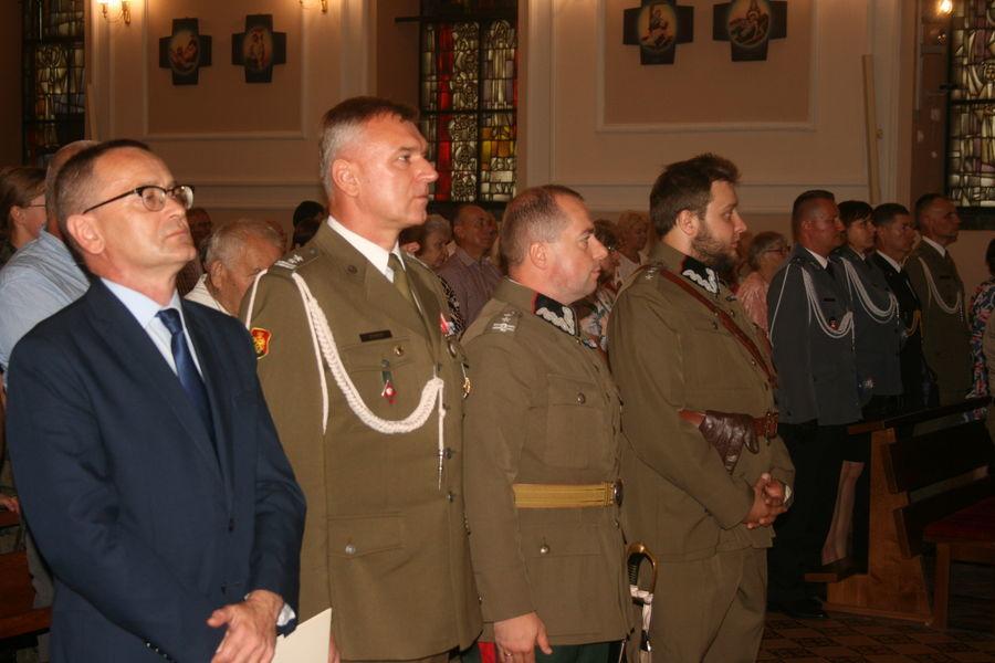 Ziemia Puławska pamięta o swoich bohaterach - uroczyste odsłonięcie tablicy ku czci żołnierzy 2. Pułku Saperów Kaniowskich