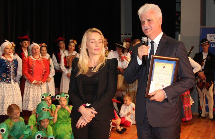 Jubileusz 25-lecia Zespołu Bystrzacy z Wąwolnicy, wręczenie Dorocznej nagrody Starosty Puławskiego w dziedzinie kultury