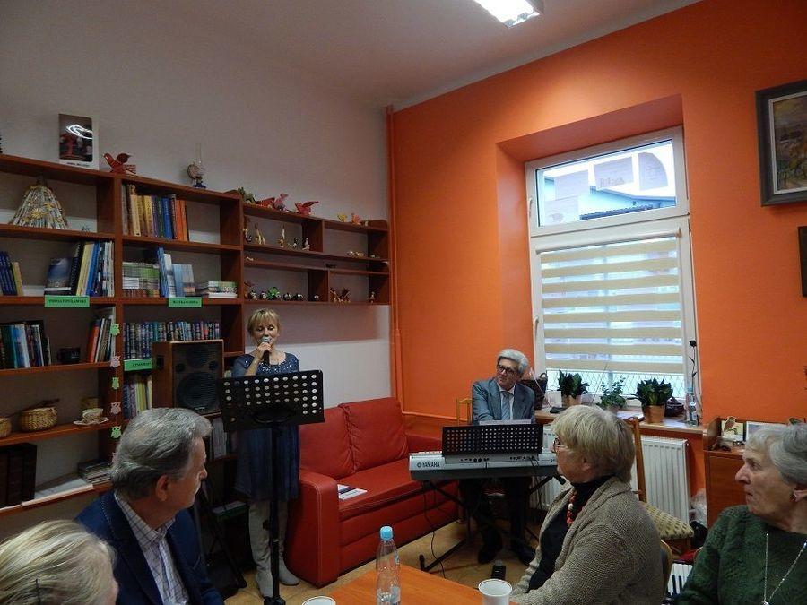 Muzyczne Andrzejki z Powiatowym Klubem Książki