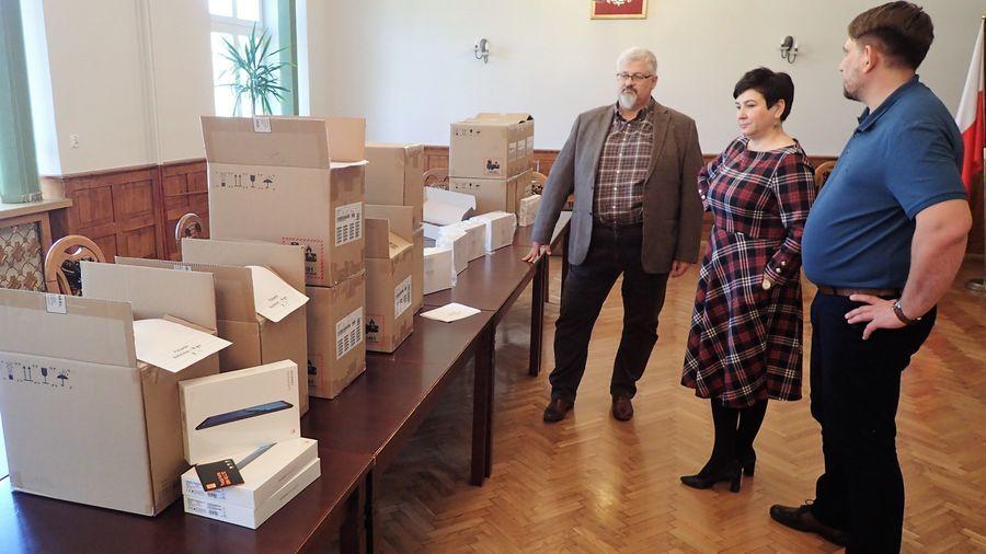 Tablety do zdalnej nauki dla uczniów z powiatu puławskiego