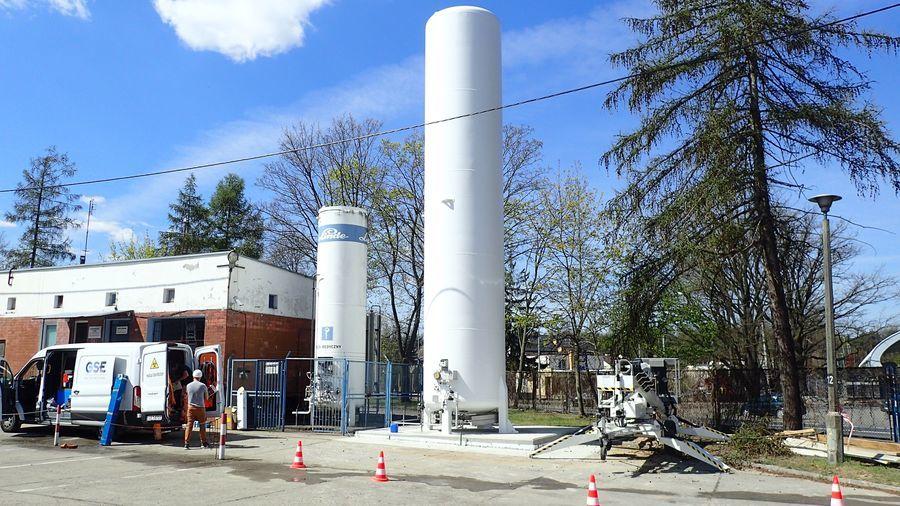 Nowa instalacja przy puławskim szpitalu zabezpieczy tlen dla ciężko chorych na koronawirusa