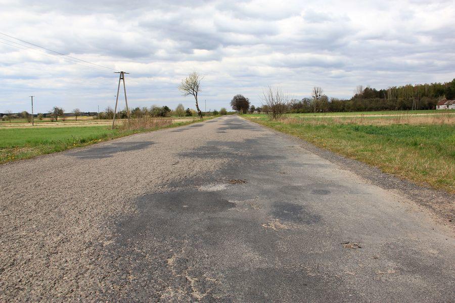 Remont drogi Janowiec - Ławeczko dofinansowany z Funduszu Dróg Samorządowych