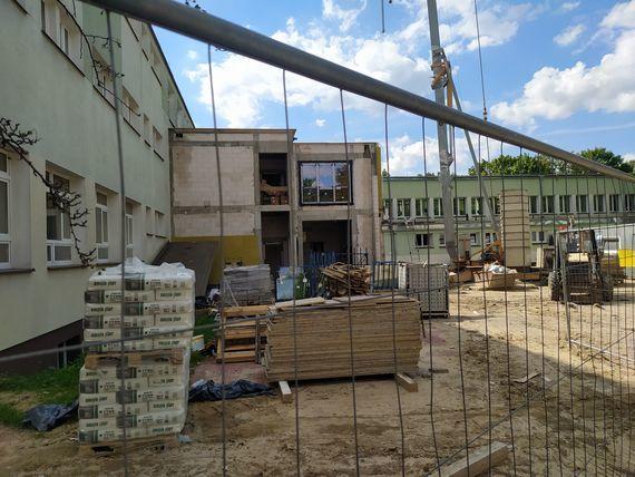Postępuje rozbudowa Zespołu Szkół nr 2 w Puławach