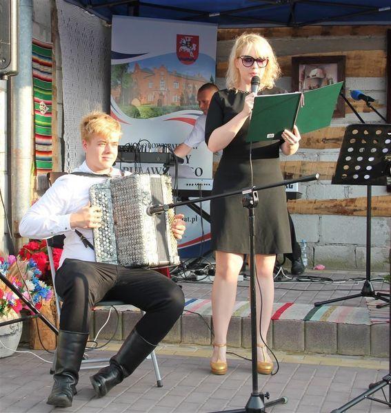 Występ akordeonisty z Nałęczowa