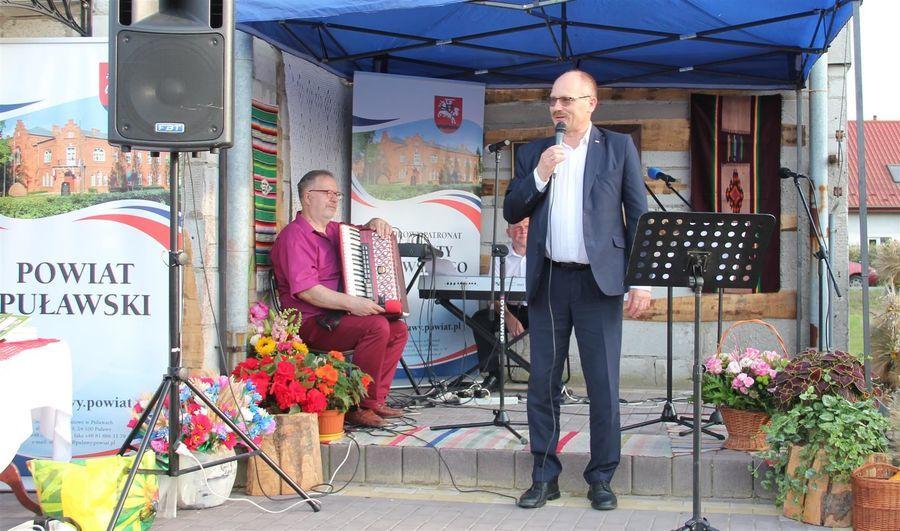 Życzenia dla organizatorów wydarzenia od posła Krzysztofa Szulowskiego