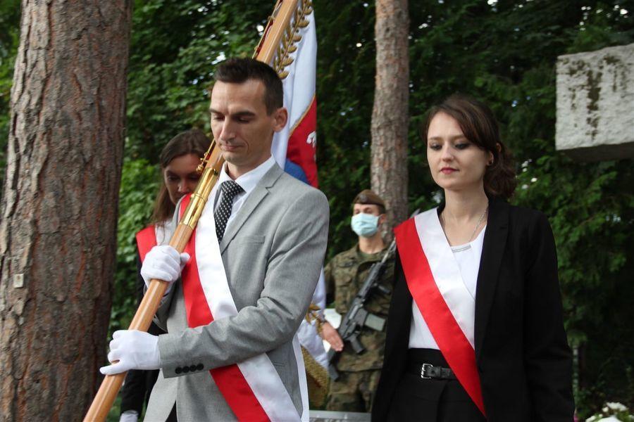 Poczet sztandarowy Powiatu Puławskiego