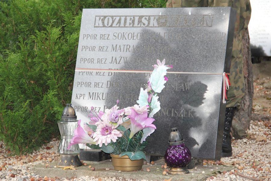 Tablica na Górce Katyńskiej
