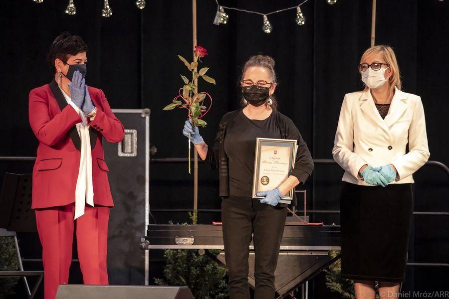 Laureatka Nagrody Starosty Puławskiego w dziedzinie kultury Jolanta Małgorzat Mazurkiewicz