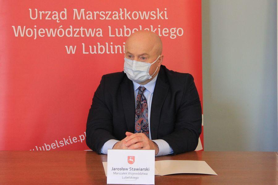 Marszałek Województwa Lubelskiego Jarosław Stawiarski.